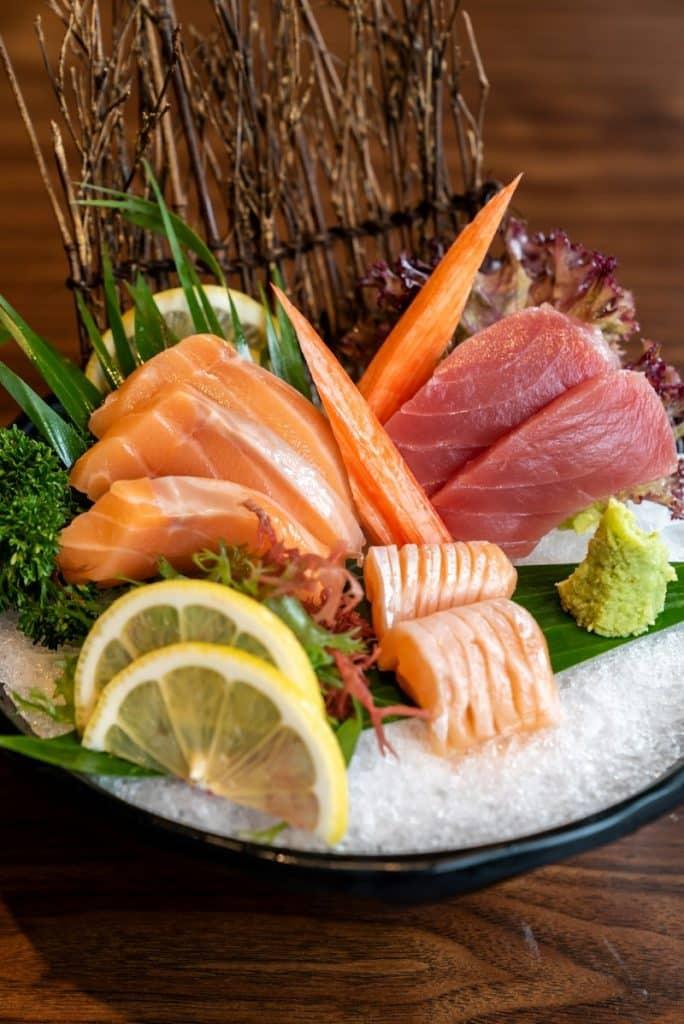 salmon tuna sashimi